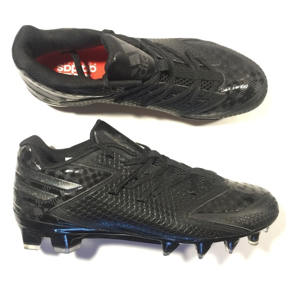 37827cd19721 Adidas Freak X Carbon low football cleats size 9